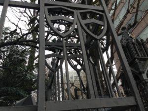 青山学院の正門